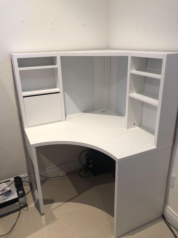 White Corner Desk Vanity Table Like New For Sale In