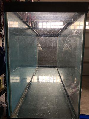 55 gallon fish or reptile tank for Sale in Bristow, VA
