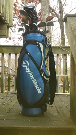 TaylorMade Golf Bag & Clubs for Sale in Fairfax, VA