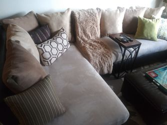 Sofa with chaise Thumbnail