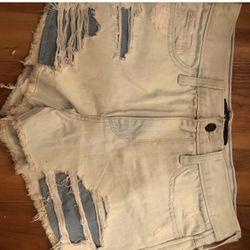 Size 3 Hollister shorts Thumbnail
