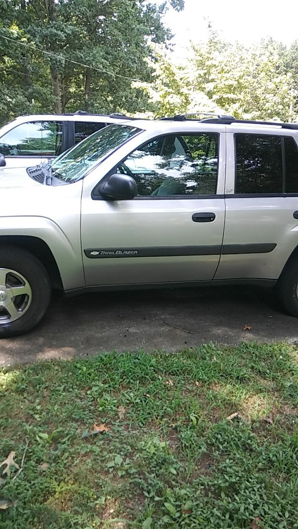2004 TRAILBLAZER FOR SALE 900... IT STILL RUNS CLEAN TITLE PASS ...