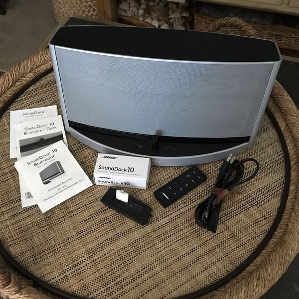 BOSE SoundDock 10 Bluetooth Digital Music Speaker System Silver for Sale in  Holly Hill, FL - OfferUp