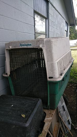 Remington dog kennel for large or medium size dog for Sale in San Antonio, TX