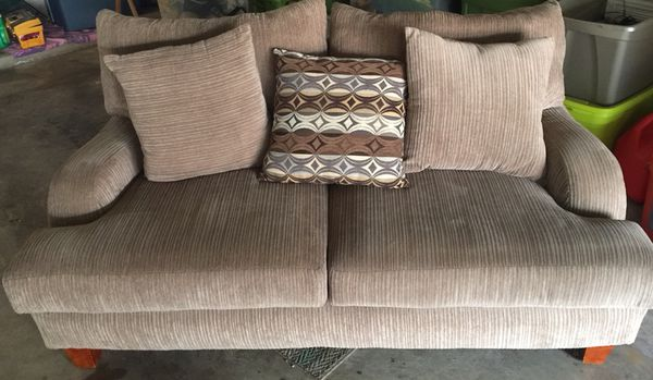Loveseat Beige With 4 Pillows From Rooms To Go For Sale In Mesquite