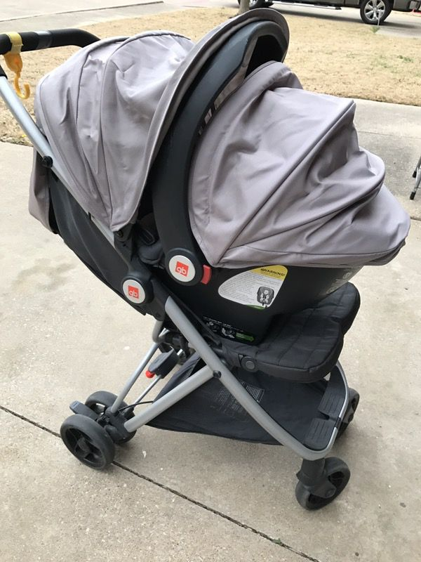 GB Alara travel system (stroller and car seat) with car seat base ...