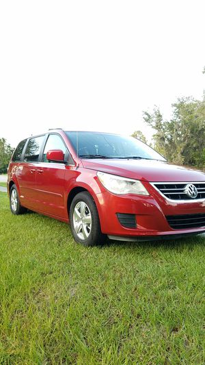 2009 VOLKSWAGEN ROUTAN SE. ONLY 102K MILES. for Sale in Kissimmee, FL