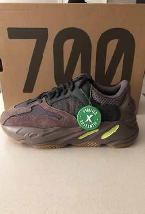 YEEZY BOOST 700 for Sale in Temple Hills, MD