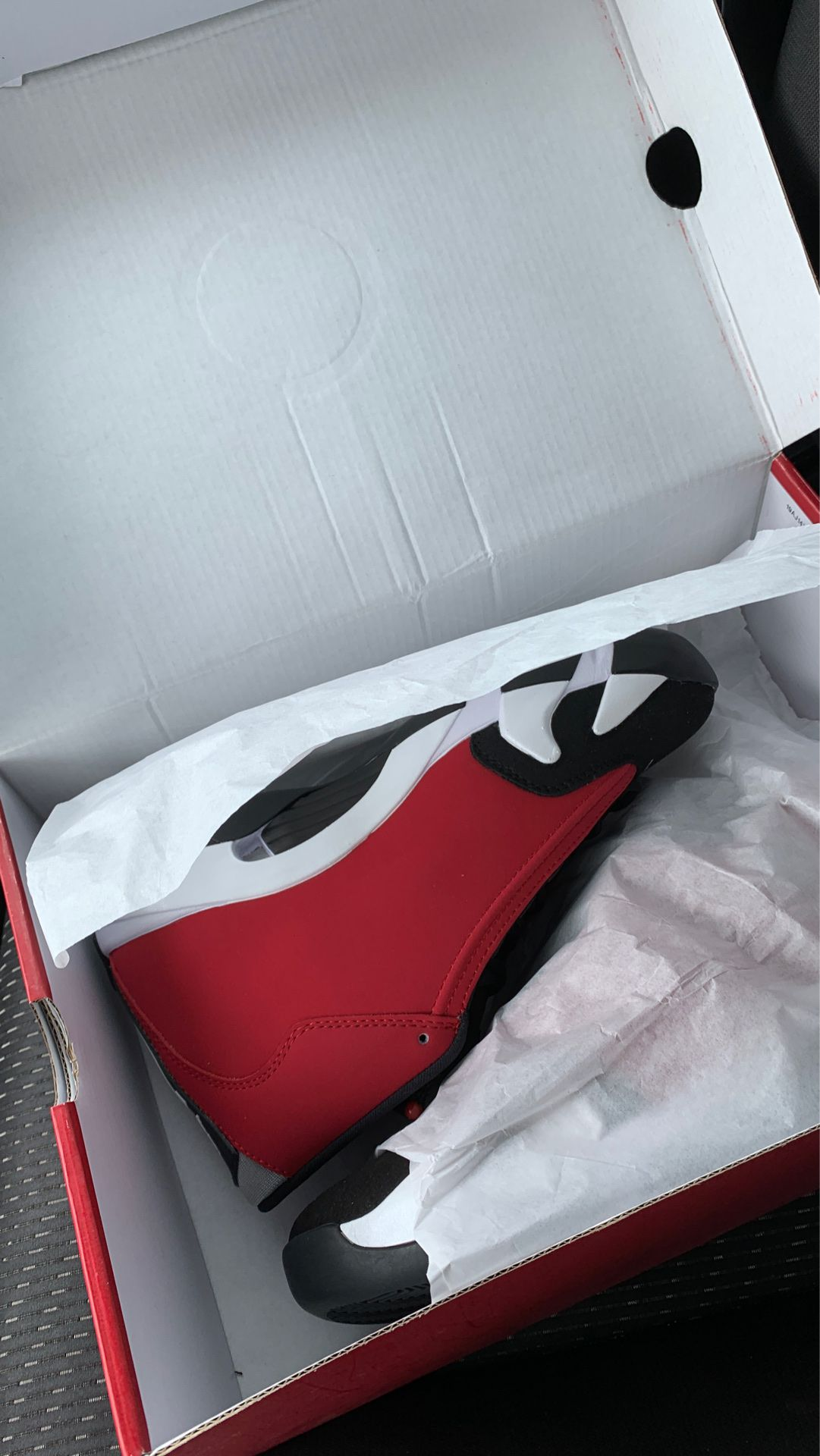 Size 8 Jordan 14