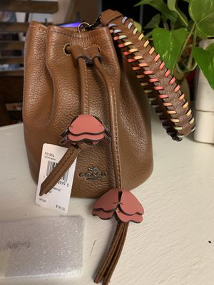 acb5c654c380 New and Used Wristlets for Sale in Vacaville