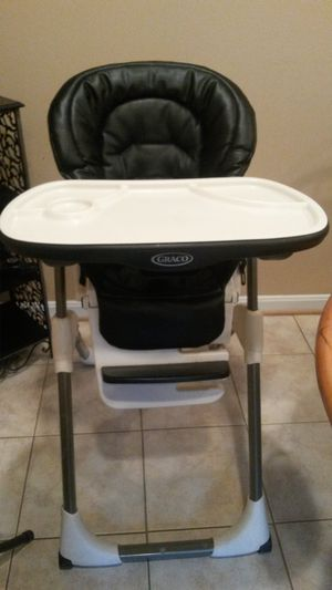 New Gorgeous graco high chair for Sale in Silver Spring, MD