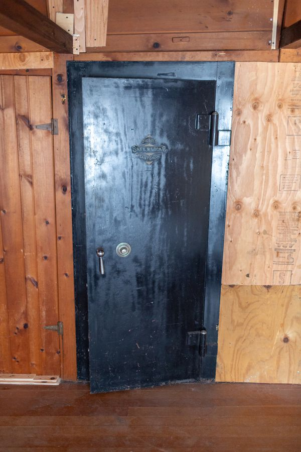 Diebold Safe & Lock Co  In-wall Safe for Sale in Issaquah, WA - OfferUp