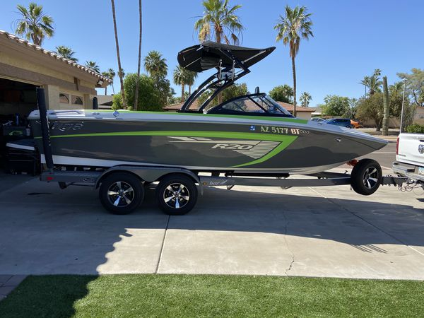 2014 tige r20 wakeboard and surf boat