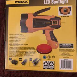 EverStart Maxx 10 Watt Rechargeable Lithium-Ion Led Spotlight Thumbnail