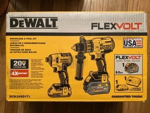 Photo DEWALT 20-Volt MAX Lithium-Ion Cordless Brushless Combo Kit (2-Tool) with FLEXVOLT and 20-Volt Battery and Charger