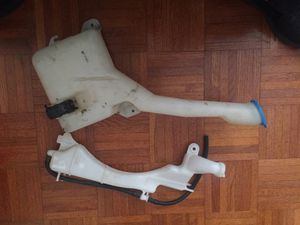 2001 - 2005 Honda Civic windshield & coolant tank for Sale in Los Angeles, CA