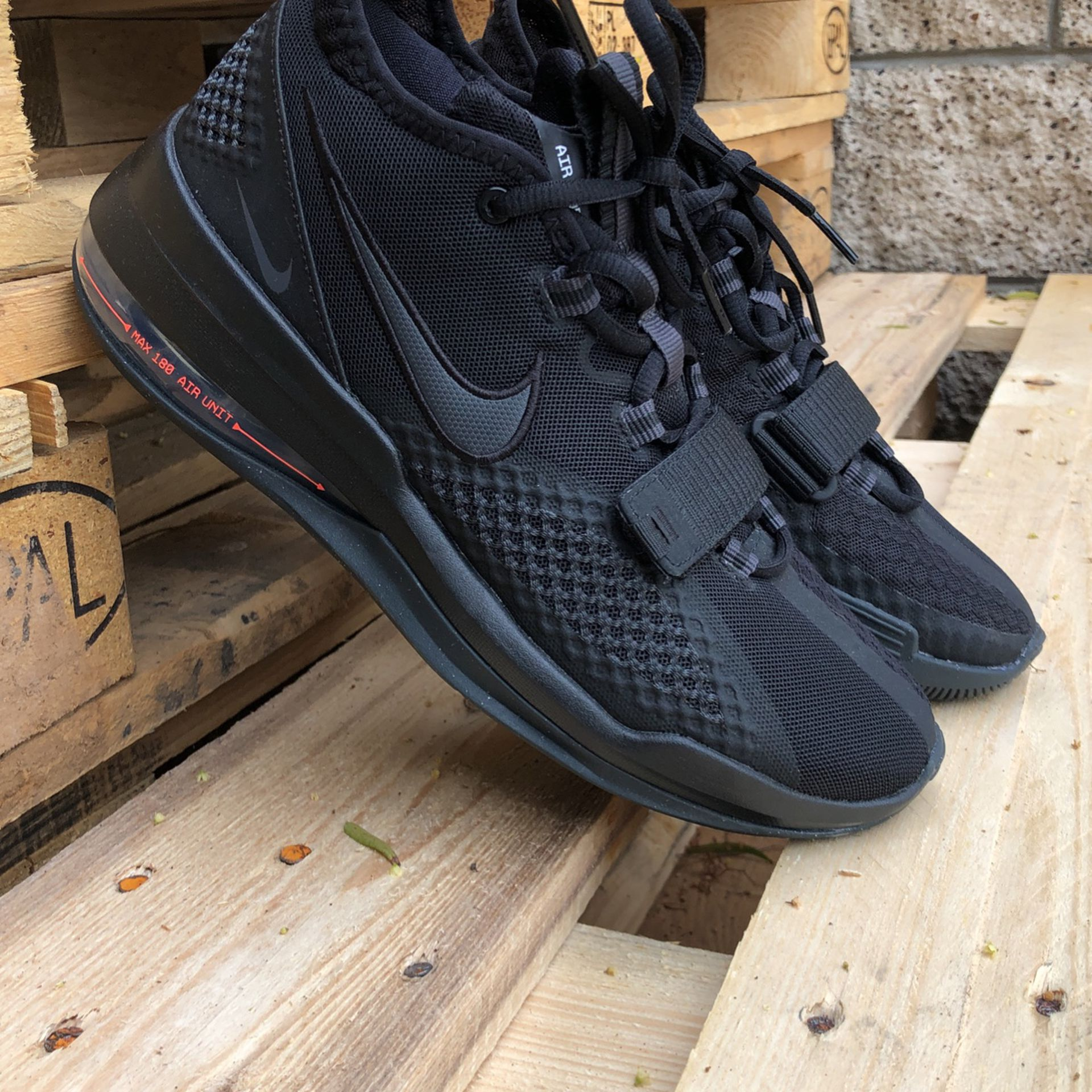 Nike Air Force Max 180 for Sale in Claremont, CA - OfferUp
