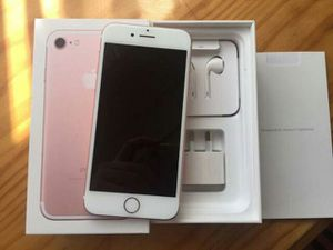 IPhone 7 Unlocked To (AT&T, H2O, Cricket, StraightTalk, Net10) + box and accessories + 30 day warranty for Sale in Falls Church, VA