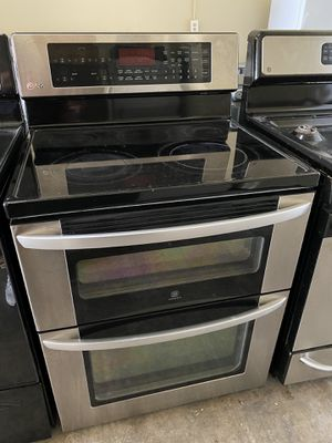 Photo KENMORE STAINLESS STEEL ELECTRIC STOVE DOUBLE OVEN