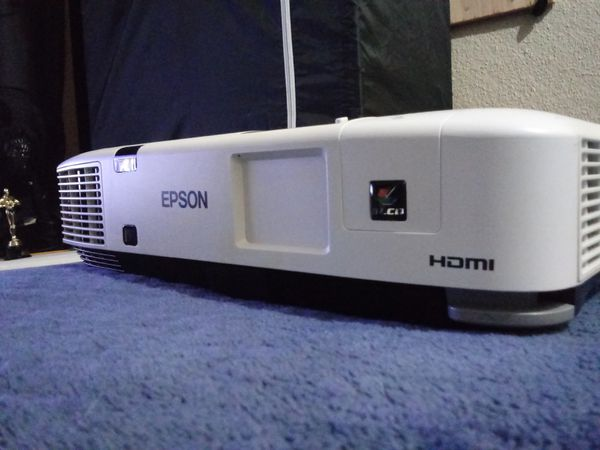 Epson projector for Sale in Santa Ana, CA - OfferUp