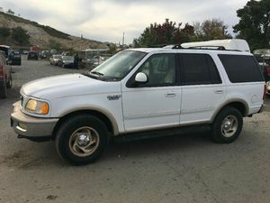 1998 Ford Expedition Eddie Bauer 200k Hwy miles runs and drives 3rx row!!! for Sale in Hillcrest Heights, MD