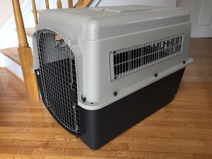 PLASTIC DOG CRATES / CARRIERS / KENNELS for Sale in Laurel, MD