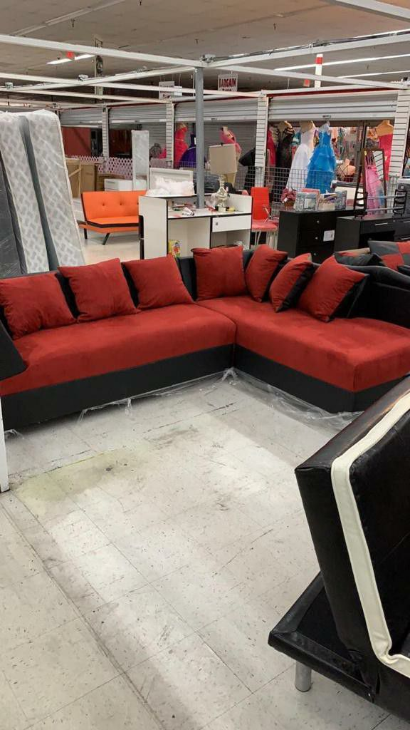 furniture sectional living room with pillows included