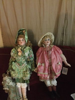 Antique dolls about 29 years old very good shape looks new for Sale in Charlottesville, VA