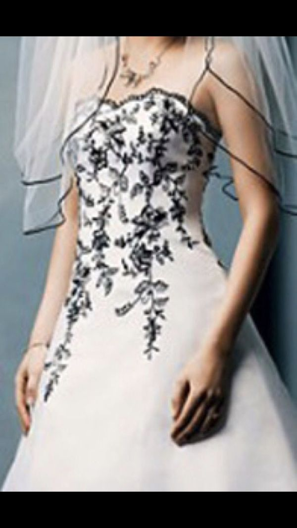 1e6abf713 David's Bridal Black & White Embroidered Floral Vines Wedding Dress gown  T8763R size 14 Make offer!