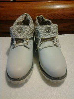 "Brandnew TIMBERLAND MEN'S 28076 ROLL UP WHITE 6"" INCH BOOTS SIZE 10 M for Sale in Richmond, VA"