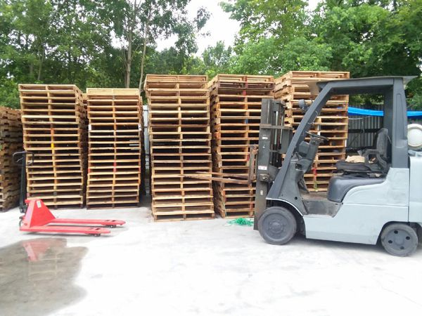 Quality Pallets $4.80 sale!!! for Sale in Houston, TX ...