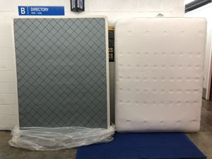 Queen Mattress and Box Spring $250 for Sale in Gaithersburg, MD