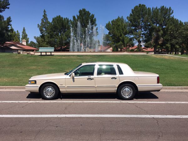 Lincoln Town Car Cartier Edition For Sale In Gilbert Az Offerup