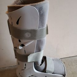 Air Cast Boot. Unsure of size. Thumbnail