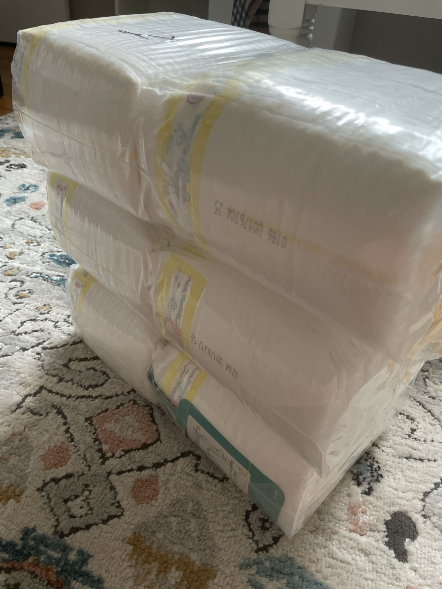 Diapers Size 1, 372 Count