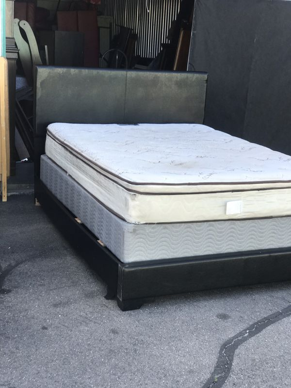 Queen Size Bed Frame With Mattress For Sale In Las Vegas Nv Offerup