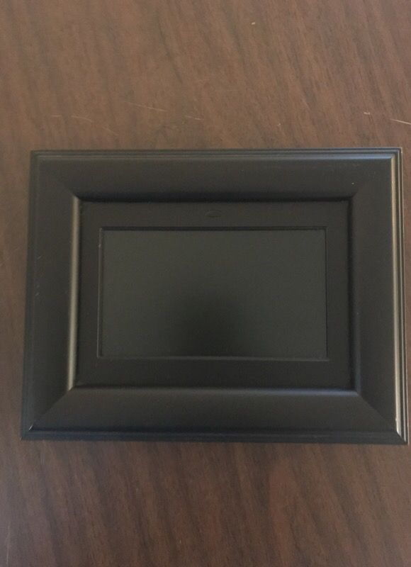 Curtis Digital Photo Frame for Sale in San Diego, CA - OfferUp