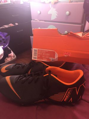 Photo New Soccer cleats size 10.5