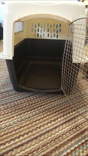 Extra large dog crate 30 x 27 x 20 for large dogs for Sale in Washington, DC