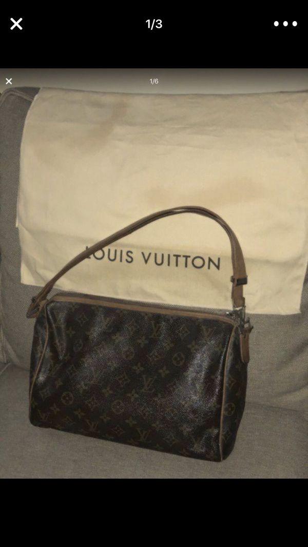528dc6749337 Authentic Louis Vuitton Popincourt Purse. Reduced. Palm Beach Gardens ...