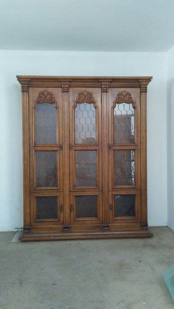 Drexel Furniture Co China Cabinet