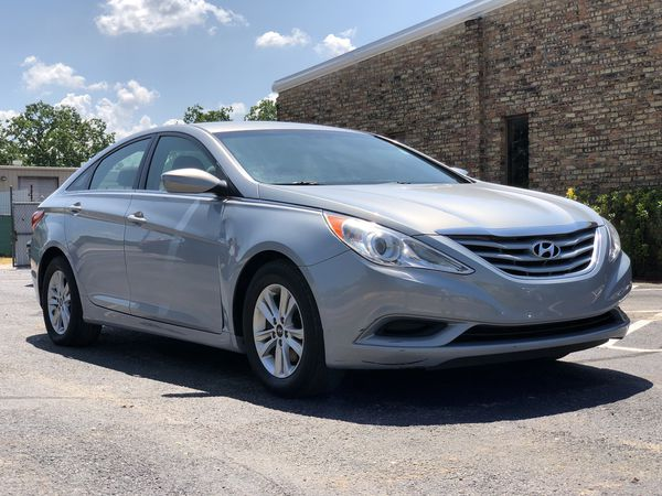 2017 Hyundai Sonata Gls Clean Le Gas Saver Runs And Drives Great 4 Cylinder Ask For More Info Cash Or Best Offer Cars Trucks In Houston