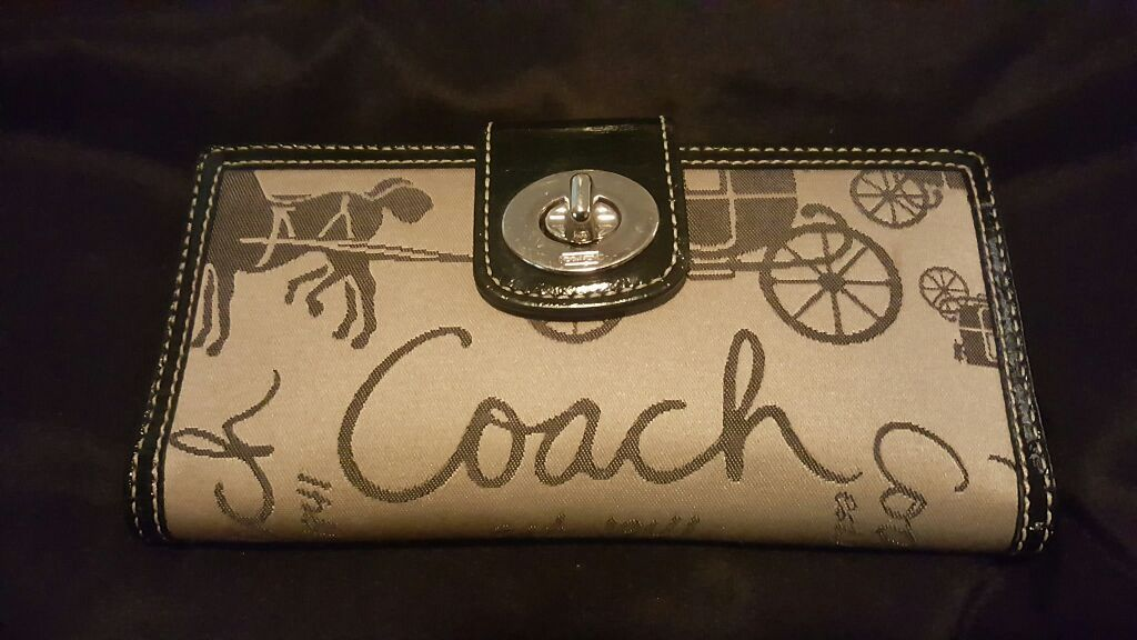 Coach wallet black and tan