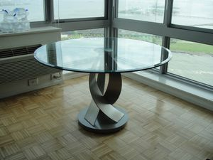 "48"" contemporary glass dining table (seats 6) for Sale in Atlanta, GA"