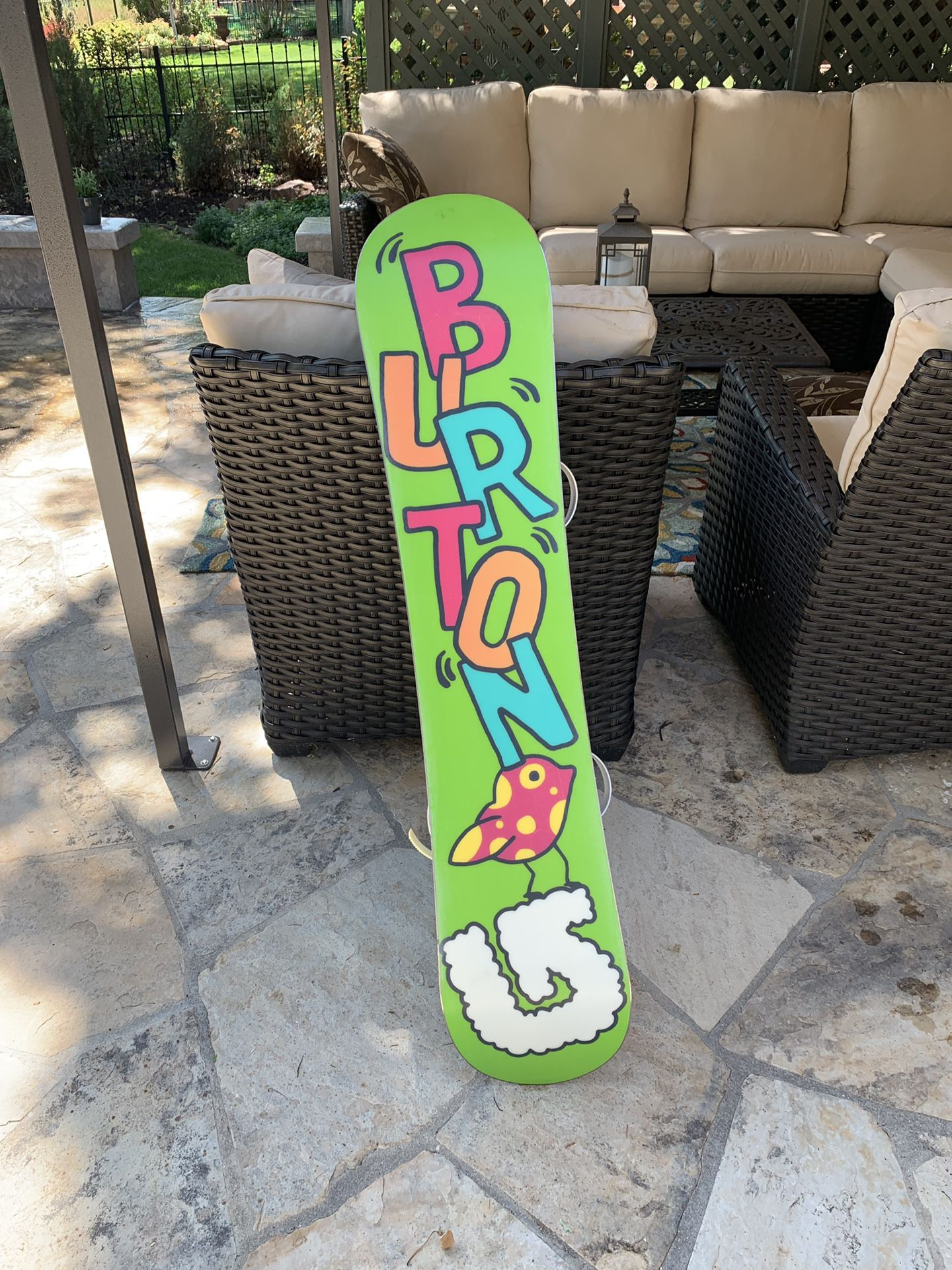 Girl's Burton Chicklet Snowboard 130 (FREE boots with purchase)