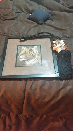 Tiger picture and tie back Thumbnail