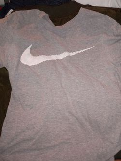 3 men's Nike shirts size MEDIUMS Thumbnail