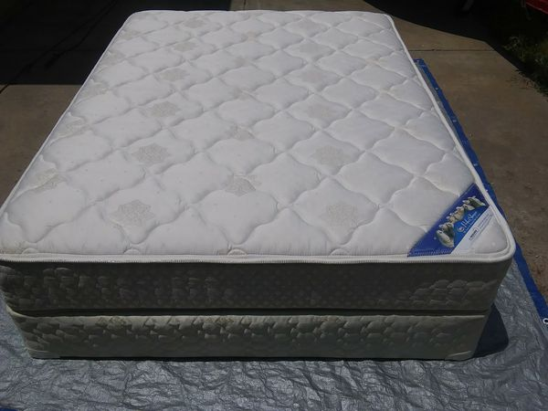 Beautiful Queen Size Serta Perfect Sleeper