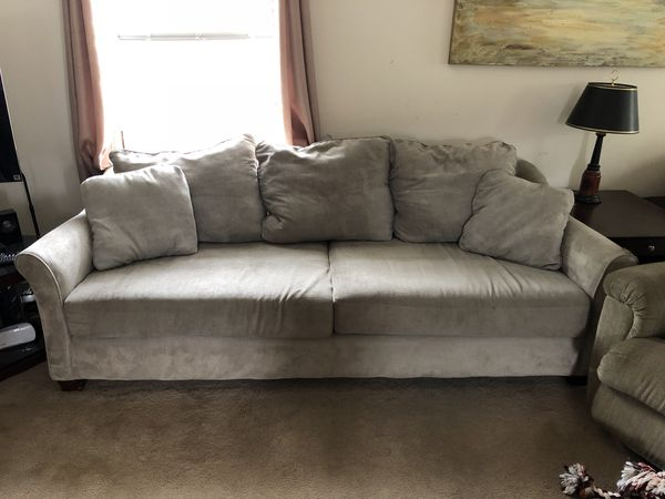 Free Sofa Pick Up Only For In Worcester Ma Offerup