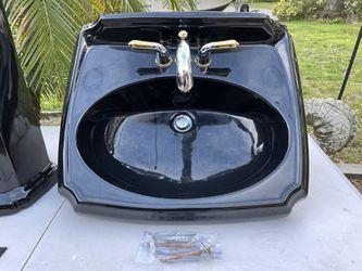 Pedestal Sink Thumbnail